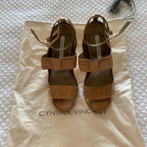NWOT Cynthia Vincent Jigsaw Dress Sandals